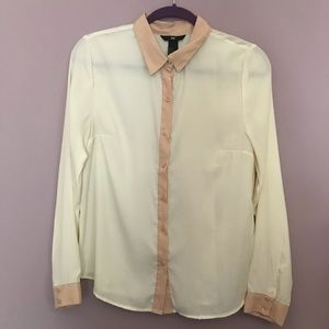 H&M shear collared button up cream blouse